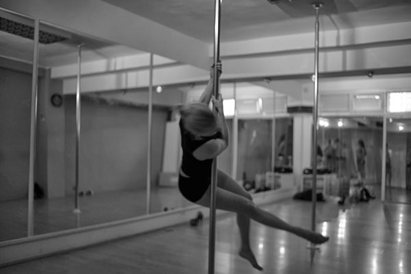pole dance fitness house3